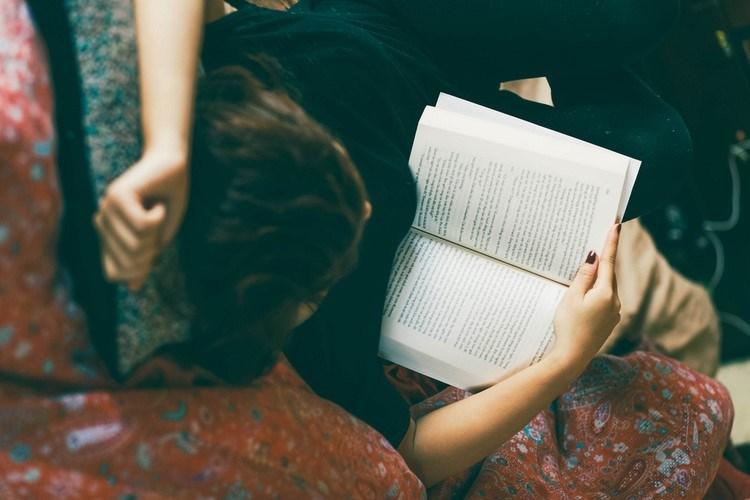 Làm sao để áp dụng kiến thức từ sách vào cuộc sống hiện đại?
